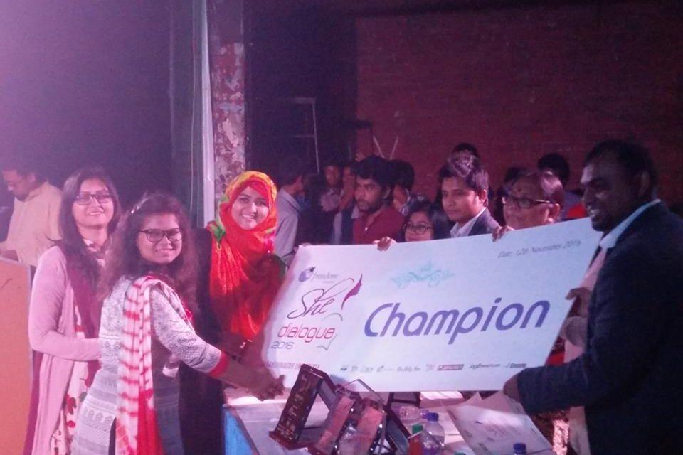She Dialogue Champion UIU Debate Club